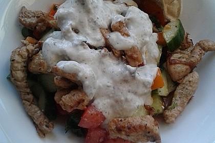 Bauernsalat mit Gyros und Joghurtsoße 1