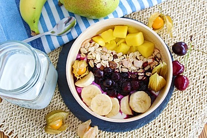 Frühstücksbowl mit Leinöl-Quark