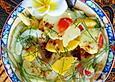Bunter Kartoffelsalat mit Mangoscheiben