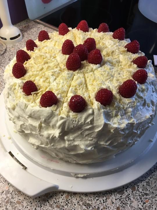 Weisse Schokoladen Himbeer Torte Von Senija123 Chefkoch De