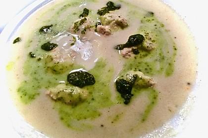 Petersilienwurzel-Suppe mit Lachs-Wolfsbarsch-Nocken