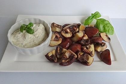 Champignon-Pfanne mit Knoblauchsauce (Bild)