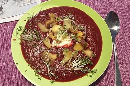 Kokossuppe mit Roter Bete, Apfel und Kartoffeln