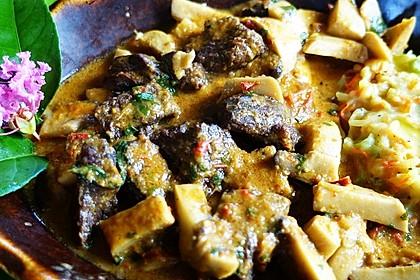 Würziges Rindfleisch-Ragout mit Kräuterseitlingen 'Gili Nangu'