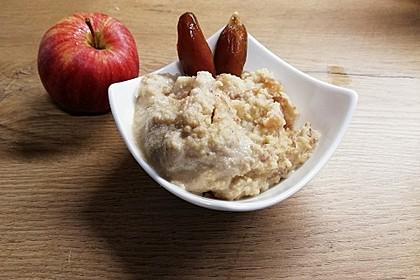5 Minuten Hirsemus mit Äpfeln und Datteln
