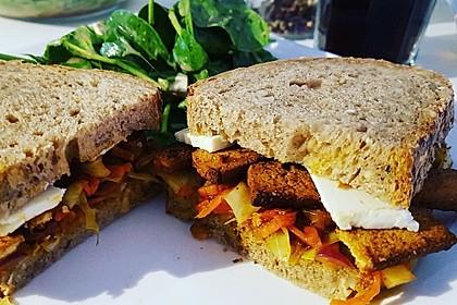 Tofu-Gemüse-Sandwich Asia-Style