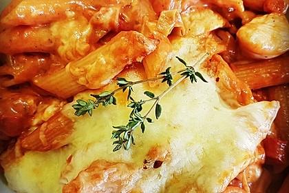 Überbackene Rigatoni mit Hähnchenstreifen und pfiffiger Tomatensahnesauce