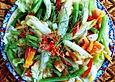 Bunt-gemischter Bohnensalat mit exotischem Dressing 'Sanur Beach'