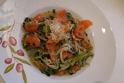 Bunte Gemüsespaghetti