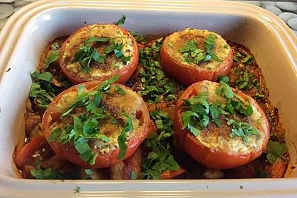 Gefüllte Tomaten mit Feta auf Schmorgemüse 1