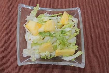 Salatherz mit frischer Ananas