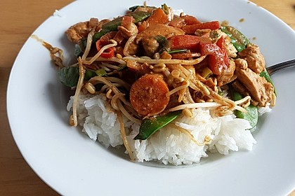 Asia Erdnuss-Hühnchen mit Reis