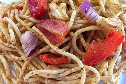 Mediterraner Spaghettisalat mit Pesto rosso 1