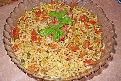 Mediterraner Spaghettisalat mit Pesto rosso 4