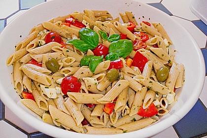 Mediterraner Spaghettisalat mit Pesto rosso 2