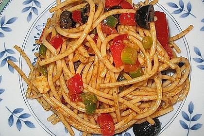 Mediterraner Spaghettisalat mit Pesto rosso 9