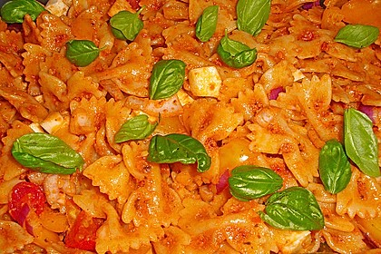 Mediterraner Spaghettisalat mit Pesto rosso 11