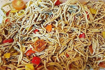 Mediterraner Spaghettisalat mit Pesto rosso 7