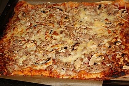 Pizza mit Thunfisch 3