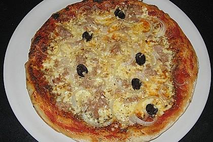 Pizza mit Thunfisch 8