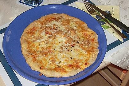 Pizza mit Thunfisch 12