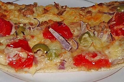 Pizza mit Thunfisch 16