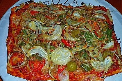 Pizza mit Thunfisch 2