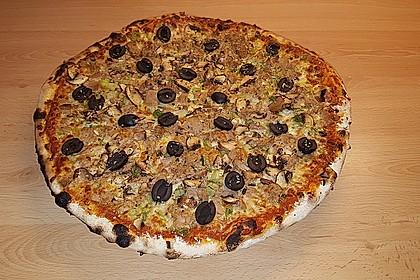 Pizza mit Thunfisch 11