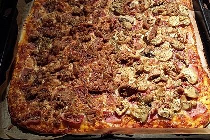Pizza mit Thunfisch 4