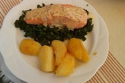 Gebratener Lachs auf Grünkohl mit Zitronensenfsauce 4