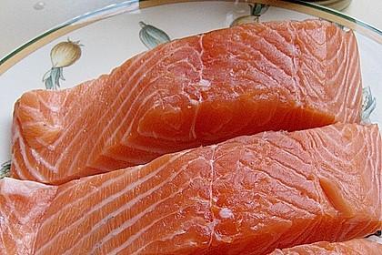 Gebratener Lachs auf Grünkohl mit Zitronensenfsauce 9