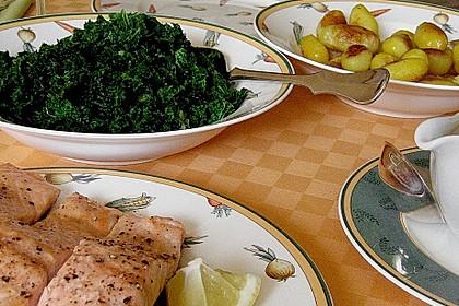 Gebratener Lachs auf Grünkohl mit Zitronensenfsauce 6