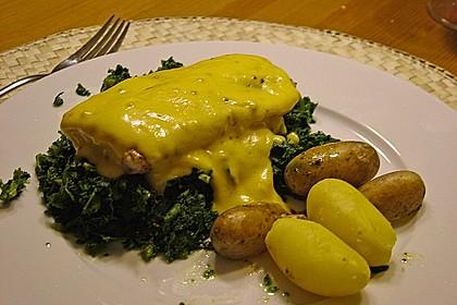 Gebratener Lachs auf Grünkohl mit Zitronensenfsauce 3
