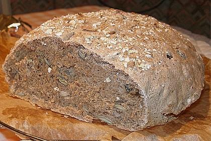 Weizen - Vollkorn - Brot mit Hefe (Bild)