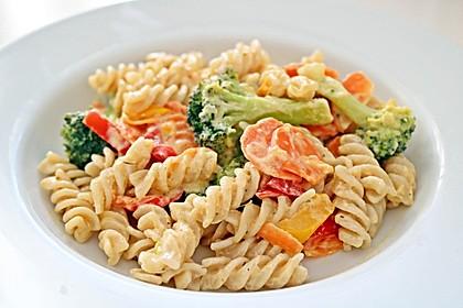 Dinkelfusilli mit Gemüse in einer Frischkäsesauce 1