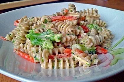Dinkelfusilli mit Gemüse in einer Frischkäsesauce