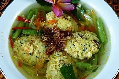 Bakso Ayam-Udang-Jamur ala 'Warung Sriwidi'