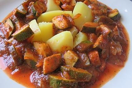 Zucchini in Tomaten-Bärlauch-Soße