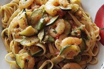 Bavette mit Scampi und Zucchini