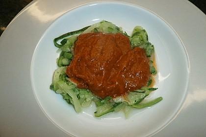 Zoodles mit Tomaten-Paprika-Soße 1