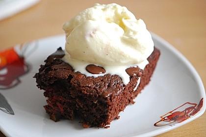 Zucchini-Himbeer-Brownies mit Vollkornmehl