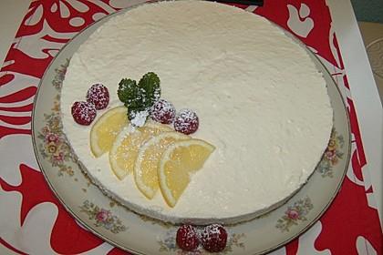 Zitronen-Quarkmousse auf Keksbrösel-Boden