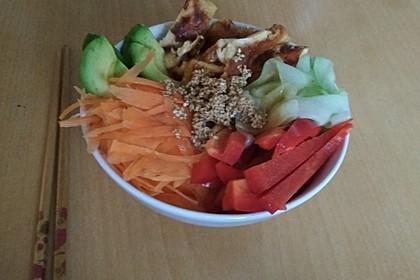 Sushi-Schüssel mit Tamagoyaki