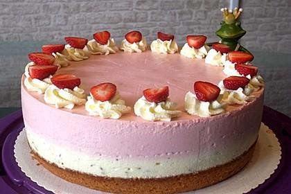 Urmelis Erdbeer-Stracciatella-Torte mit Schwips (Bild)