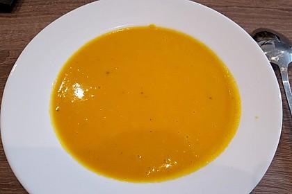 Süßkartoffel-Möhren-Ingwer-Suppe 1