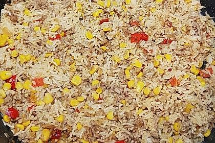 Reispfanne mit Mais, Paprika und Hackfleisch (Bild)
