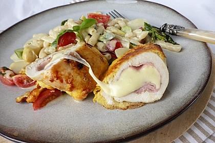 Hähnchenbrust im Parmesanteig mit Spargelnudeln