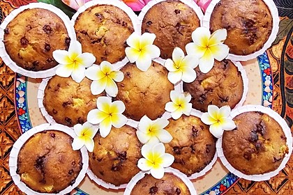 Süß-saftige Ananas-Muffins mit Schokoladenperlen