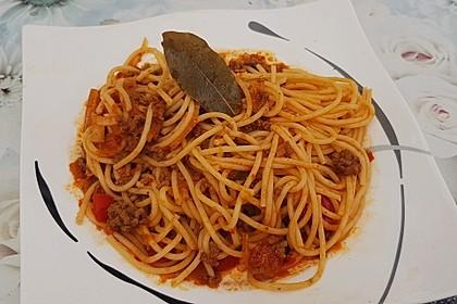 Spaghetti mit Hackfleisch-Paprika-Sauce nach Omas Art