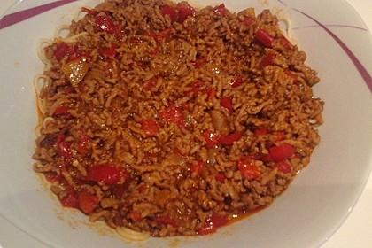 Spaghetti mit Hackfleisch-Paprika-Sauce nach Omas Art 2